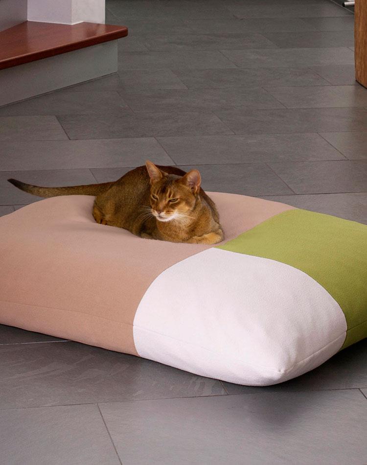 Luxury Divan Quattro Fleece Cat Bed