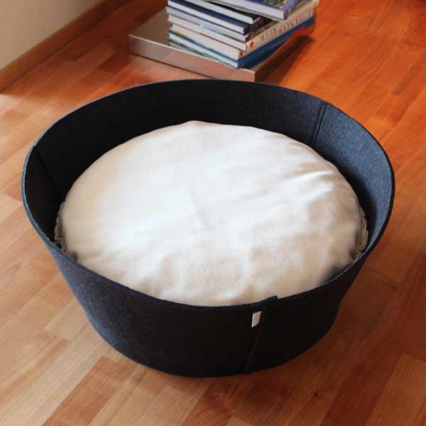 Luxury Credo Felt Cat Bed Anthracite Cream