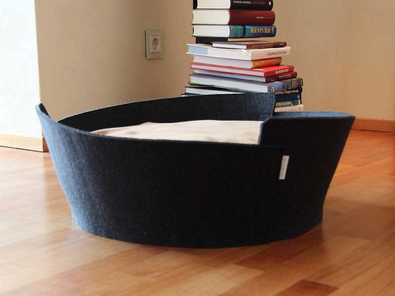 Luxury Lido Felt Cat Bed Black Cream