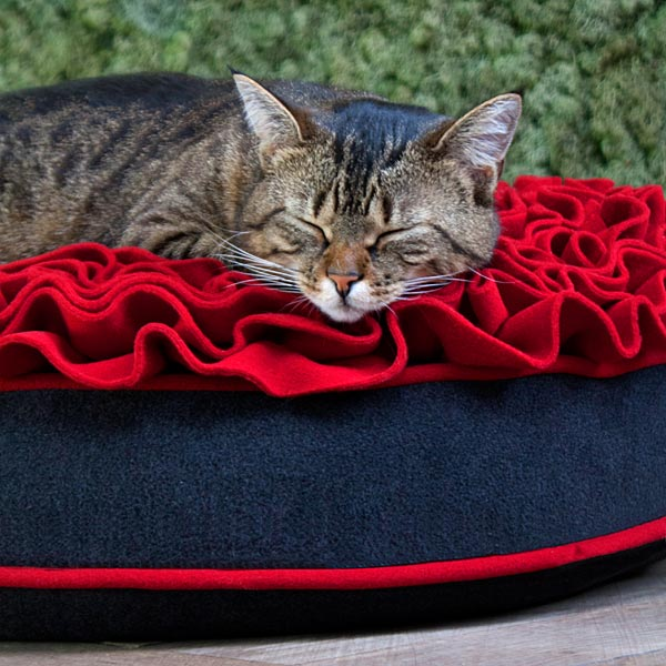 Luxury Lounge Rose Cat Bed Red 4