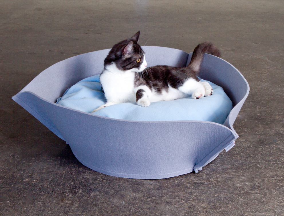 Luxury Cat Beds And Toys