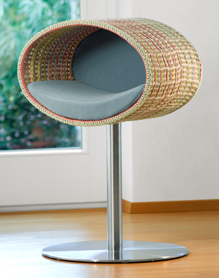 Luxury Rondo Crochet Cat Stand Light Blue
