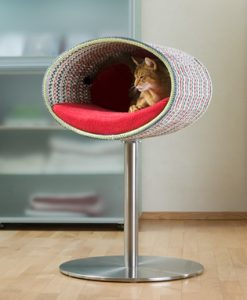 Luxury Rondo Crochet Cat Stand Red