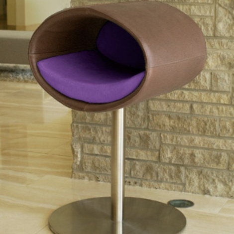 Luxury Rondo Faux Leather Cat Stand Nougat