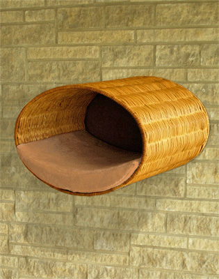 Luxury Rondo Wall Wicker Cat Bed Caramel