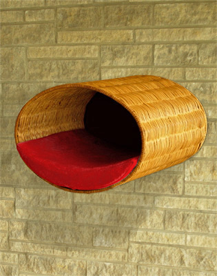 Luxury Rondo Wall Wicker Cat Bed Red