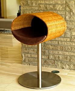 Luxury Rondo Wicker Cat Stand Brown