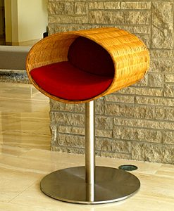 Luxury Rondo Wicker Cat Stand Red