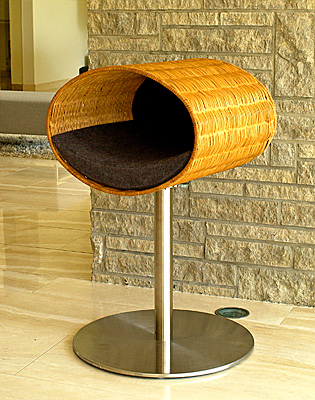 Luxury Rondo Wicker Cat Stand graphite